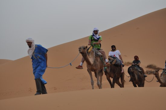 Sahara Tours 4x4 : CAMEL RIDE