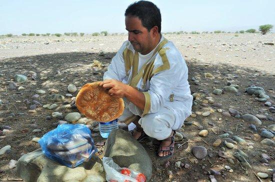 Sahara Tours 4x4 : PREPARING