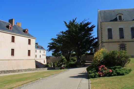 Citadelle Vauban Hotel Musée : dans l'enceinte de la citadelle
