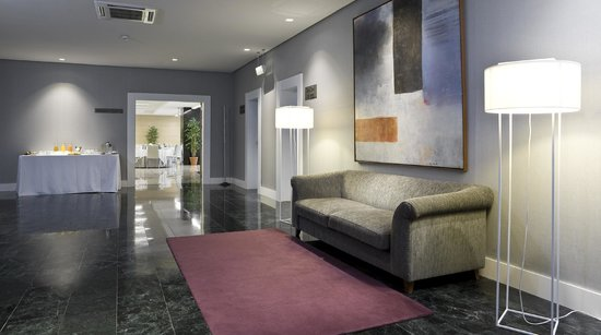 NH Collection Villa de Bilbao: Lobby