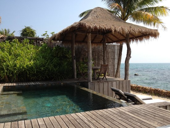 Song Saa Private Island: Our pool and beach