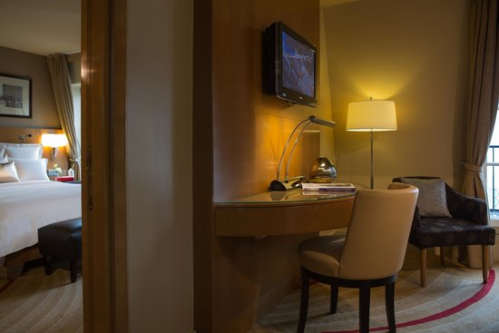 Renaissance Paris Vendome Hotel : One Bedroom Suite