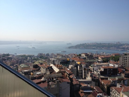 The Marmara Pera Hotel: Pool bar at the roof top