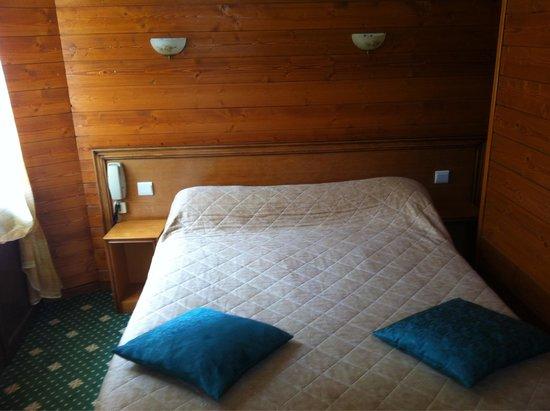 Hotel Le Marbore : Habitación