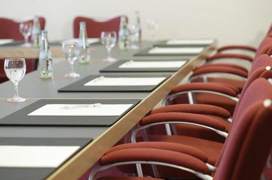 NH Frankfurt Airport: Meeting room