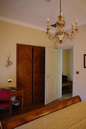 Hotel Vittoria: Zimmer
