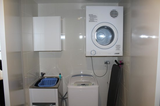 Meriton Suites Herschel Street, Brisbane: Laundry room