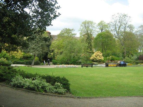 City Sightseeing UK - Colchester: Castle Park