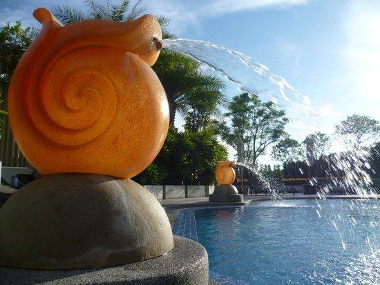 Viva Garden Serviced Residence: Pool