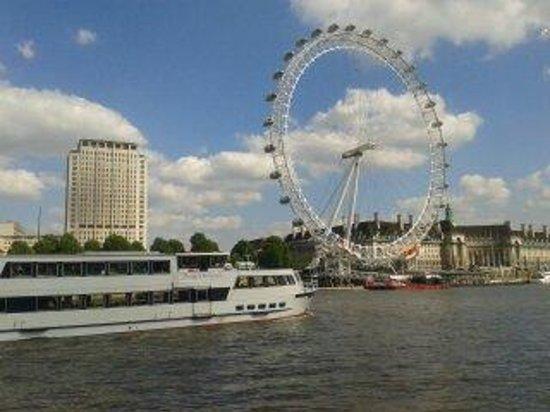 Premier Inn London Waterloo (Westminster Bridge) Hotel : London Eye