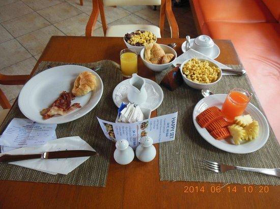 Seaview Patong Hotel: Best variety of breakfast