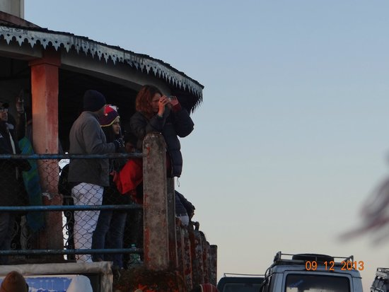 Tiger Hill: EVEN PEOPLE WHO BOUGHT TICKETS OF 30 AND 40 RUPEES CAME DOWN IN THE 20 RUPEES BALCONY.
