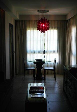 Gran Melia Palacio de Isora Resort & Spa: Our bedroom living office corner