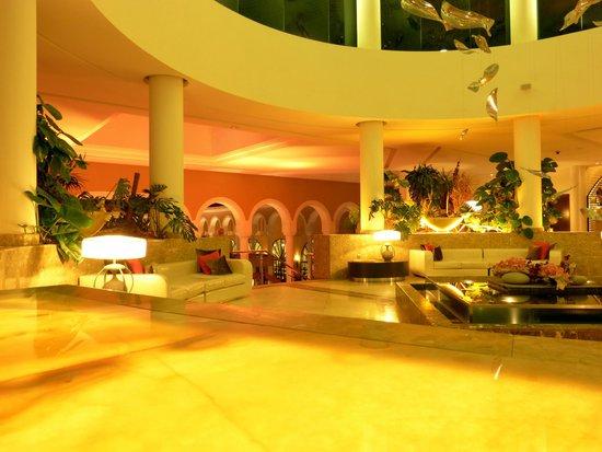 Gran Melia Palacio de Isora Resort & Spa: Hotel hall entrance near reception