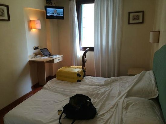 "Hotel do Pozzi: My ""double"" room was barely big enough to accommodate the bed."