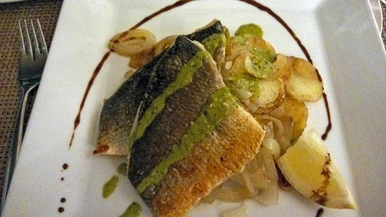 Gran Melia Palacio de Isora Resort & Spa: Club Ocean Italian restaurant rombo fish presentation