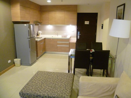 Viva Garden Serviced Residence : Kitchen