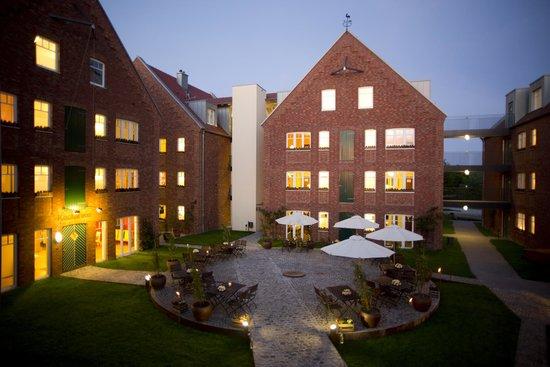 Hof Beverland: Ein Blick in den Innenhof des Landhotels Beverland