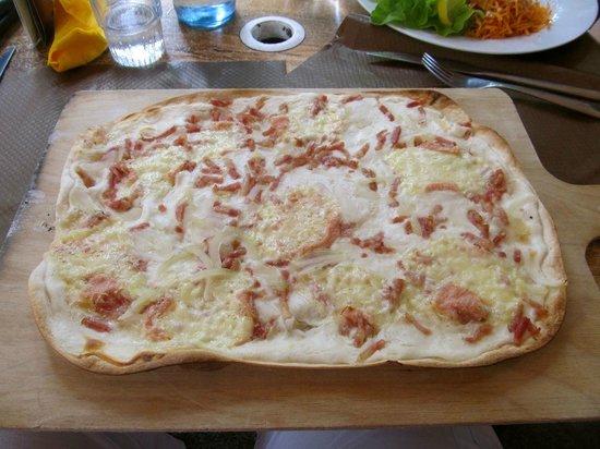 Le Kougelhopf: Munster tarte flambe