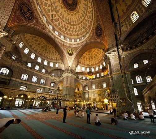 Historic Areas of Istanbul : Inside Yeni Cami