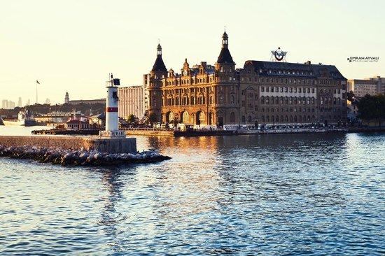 Historic Areas of Istanbul : Haydarpasa Train Station
