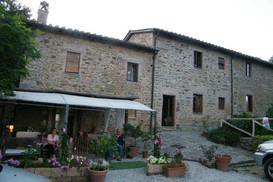 Villa La Fagianaia : Esterno della casa con veranda