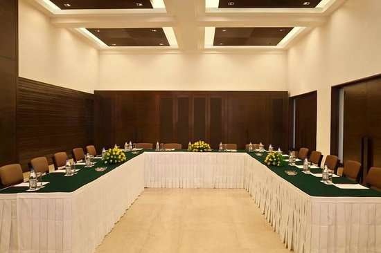 Trident, Agra: Conference Room