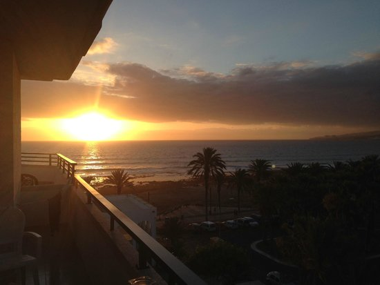 H10 Conquistador : sunset from our room