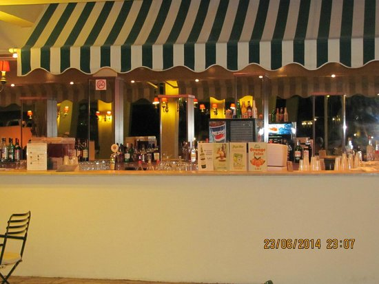 Messonghi Beach Resort : Бар