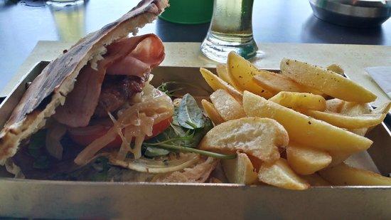 Agioli Restaurant: Burger