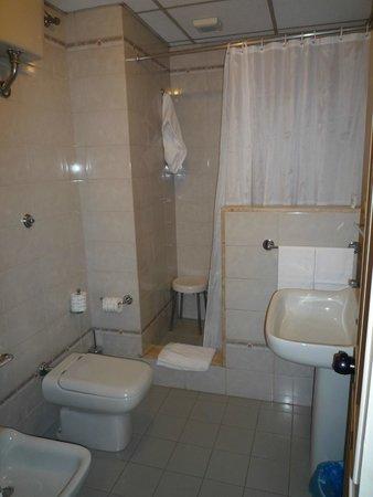 Hotel Moderno: バスルーム