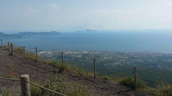 La vista dall'alto del Vesuvio