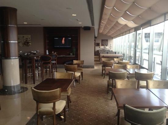 Titanic City Hotel: μπάρ στον τελευταίο όροφο