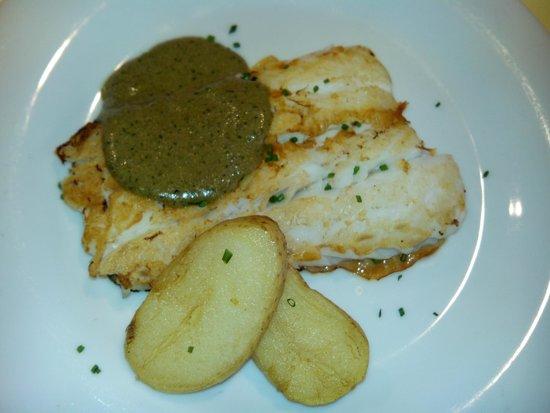 Restaurante La Tragantua: Merluza al aceite de albahaca