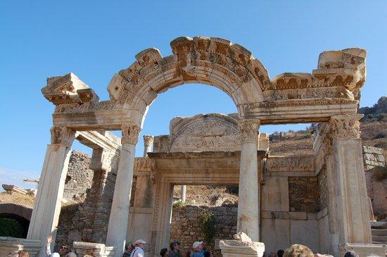 Vieille ville d'Éphèse : Romeinse bouwstijl en versieringen.