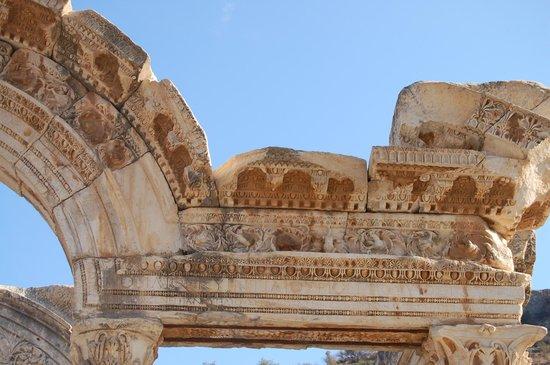 Vieille ville d'Éphèse : Versieringen