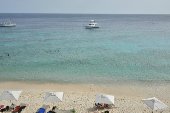 Kura Hulanda Lodge & Beach Club: Go West diving boat