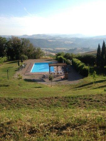 Agriturismo Fonte Martino: vista sulla piscina