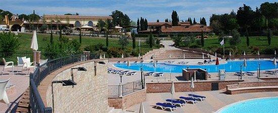 Pian Dei Mucini Resort: piscina