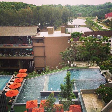 Sunsuri Phuket: дождь