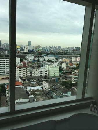 Centara Watergate Pavillion Hotel Bangkok: View from kids room 18 floor