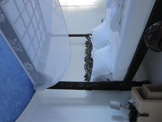 Rocabella Santorini Hotel & Spa : SZ im 1.OG mit blauer Kuppel