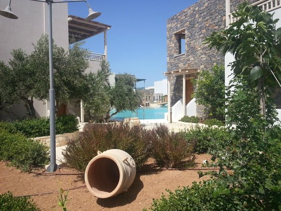 Ostria Resort & Spa : La piscine zen