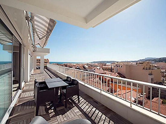 Ibis Styles Menton Centre : Vista do quarto do hotel
