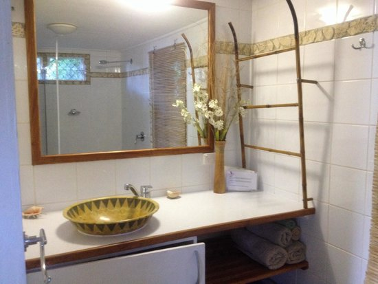Seachange Lodge: Bathroom in main bedroom of Garden Cottage