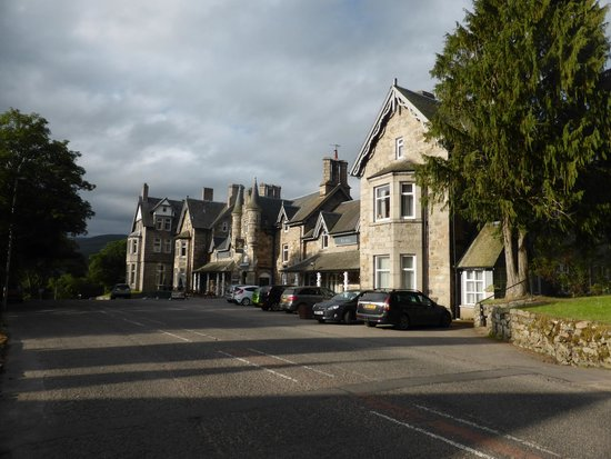 The Invercauld Arms Hotel: View from the road