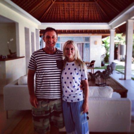 Villa Bali Asri Batubelig : the living and dining area