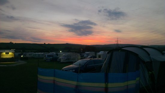 Higher Moor Farm: Sunrise at the camp
