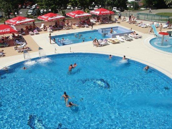 Dagomys Hotel: Взрослый бассейн с морской водой и гидромассажем