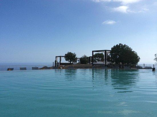 Sheraton Gran Canaria Salobre Golf Resort: Piscina planta 11